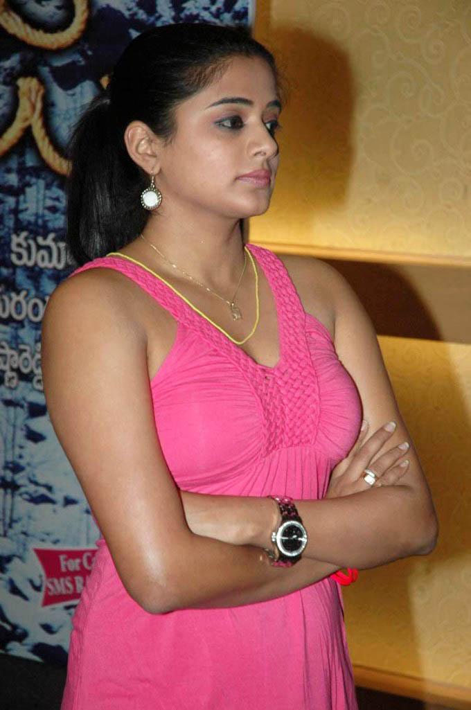 Actress priyamani sexy photos