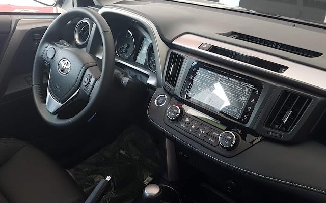 Novo Toyota RAV4 2018 - interior