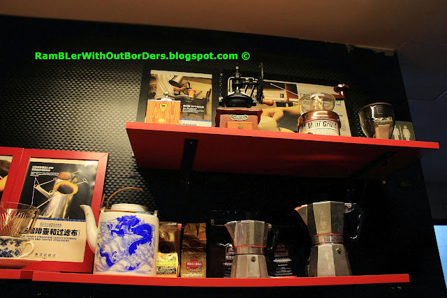 Coffee and tea exhibits, Nanyang Old Coffee, Chinatown, Singapore