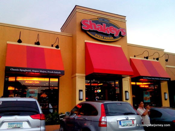 Shakey's, Throwback and Pizza 1954