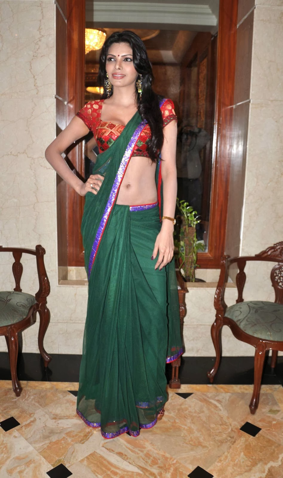 Watch Gunnjan Aras full movie - Real Bollywood. Hot scenes
