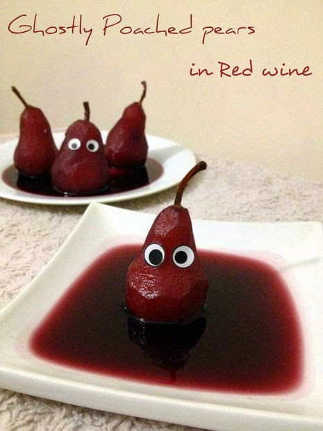 Poached pears in Red wine Sauce