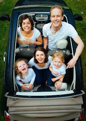 Konsep Foto Keluarga Yang Memperlihatkan Kehangatan dan Keharmonisan
