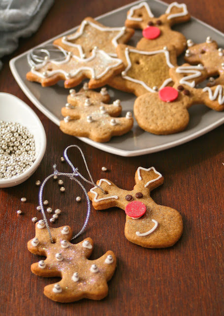Christmas cookies to hang on the tree.