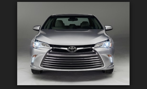 2020 Toyota Camry Hybrid XLE 4dr Sedan Pricing and Options