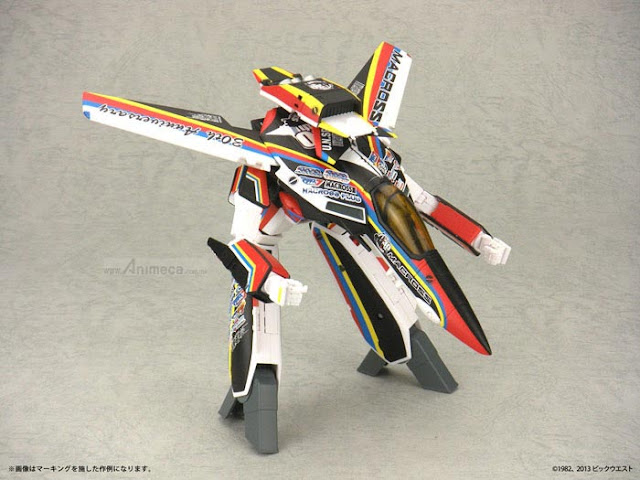 FIGURA VALKYRIE VF-AJ 30th Anniversary Color Ver. 1/60 TRANSFORMABLE MACROSS