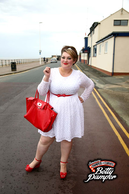 Plus Size White lace Skater Dress by Topsy Curvy-A review ...