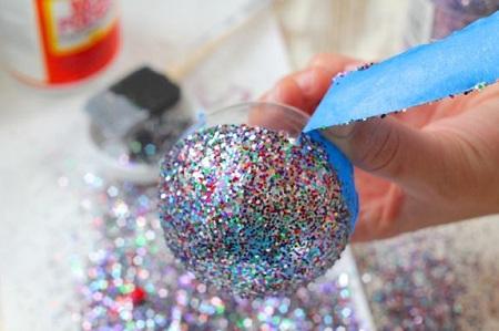 Como hacer adornos para navidad faciles todo manualidades for Adornos navidenos que pueden hacer los ninos