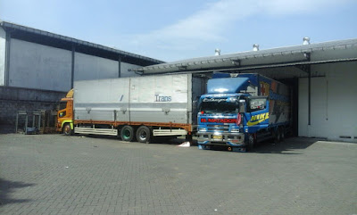 Sewa truk di Malang tronton wingbox