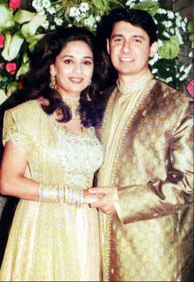 Abhishek bachchan aishwarya age difference in dating 9