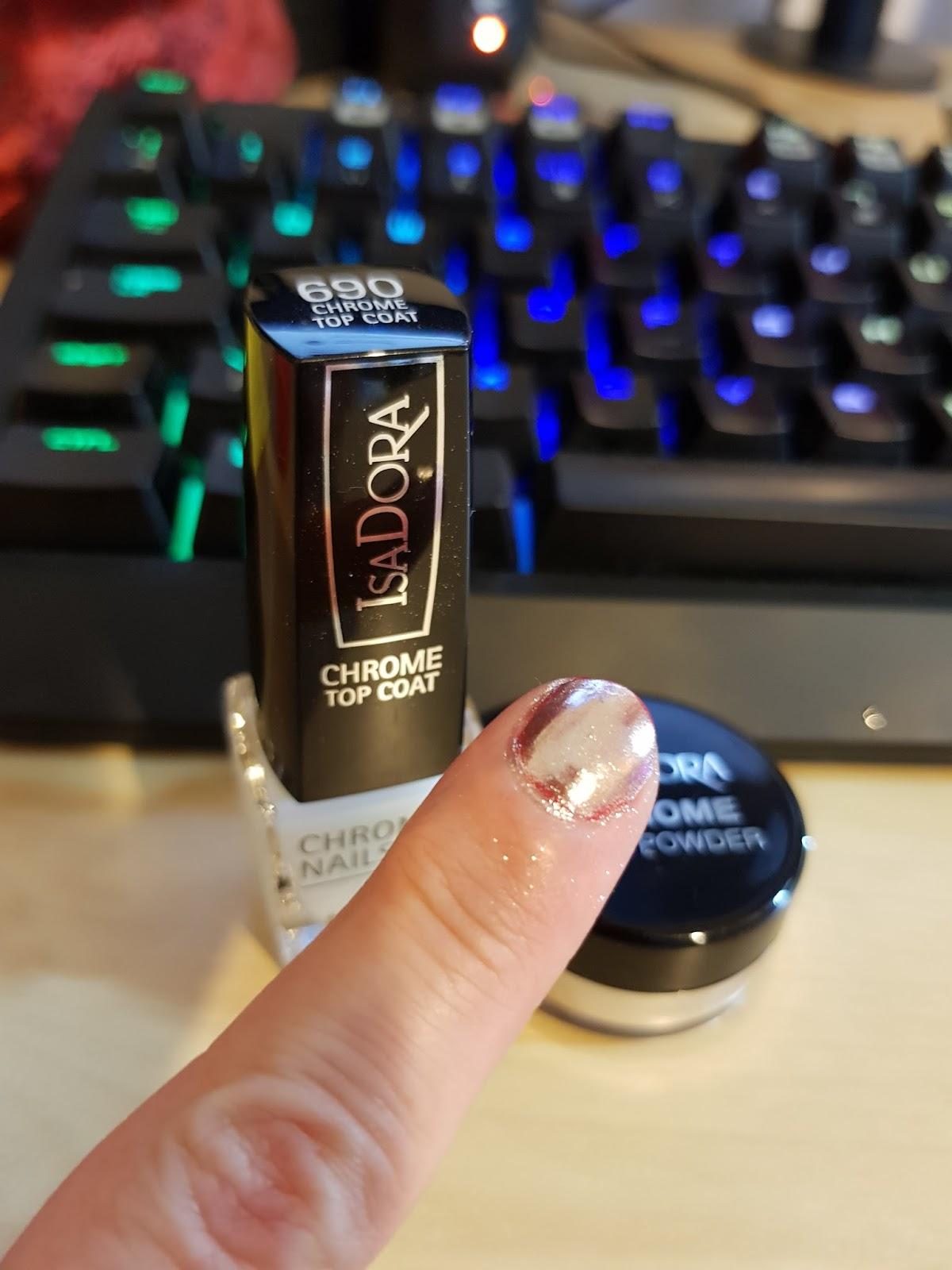 Pretty Perfect Beauty: NEW: Isadora Chrome Nails Powder