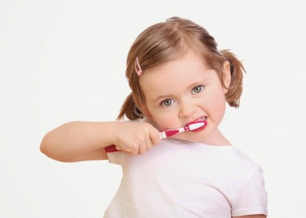 แปรงฟันให้ถูกวิธี ลดกลิ่นปาก