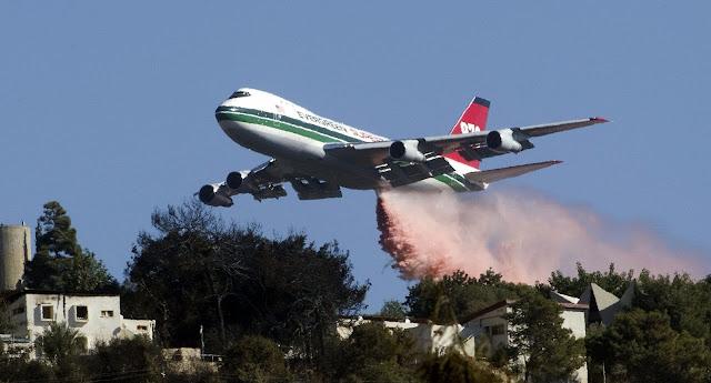 Boeing 747-400 Global Supertanker