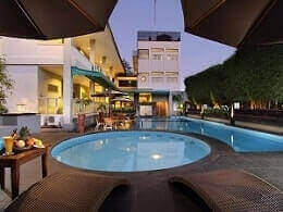 Cakra Kusuma Hotel bintang 3 di kaliurang Yogyakarta