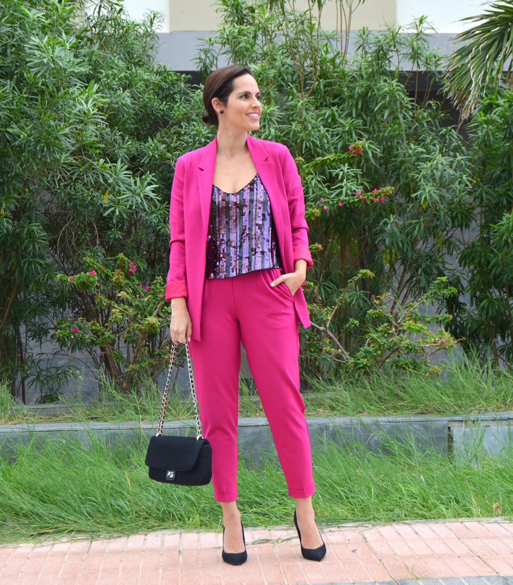 pink-suit-outfit-street-style