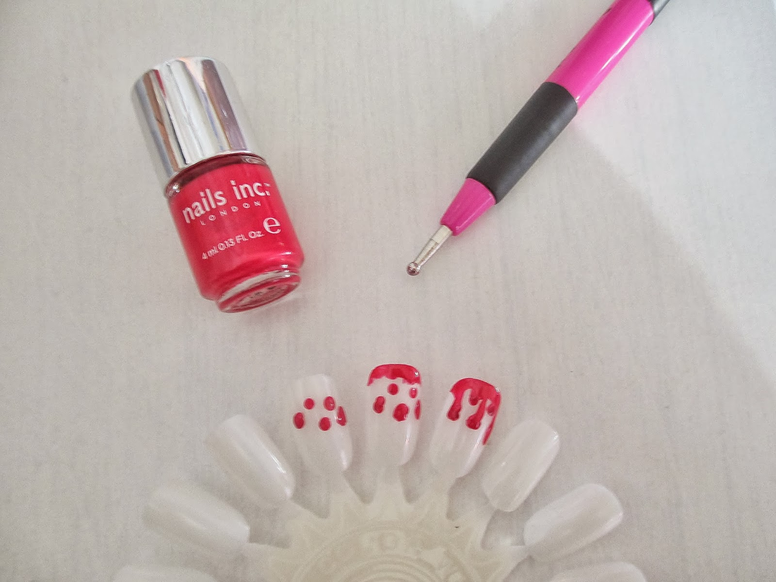 Halloween blood drip nails DIY - The Emily Chapters