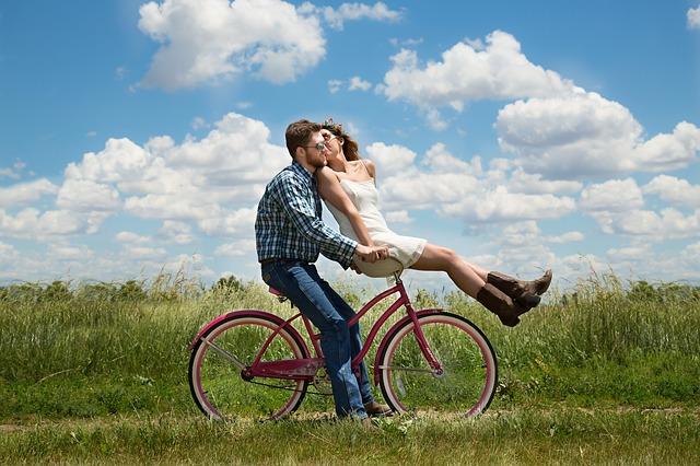 Cara Agar Hubungan Tetap Langgeng dan Romantis