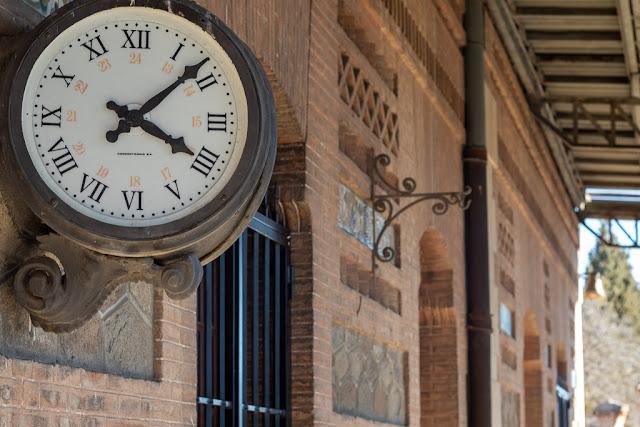 reloj, estación, Algodor, edificio, ladrillos, construcción, ferrocarril, vías, estación abandonada