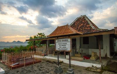 Ziarah Makam Srandil dan Sejarah R.M Mertokusumo