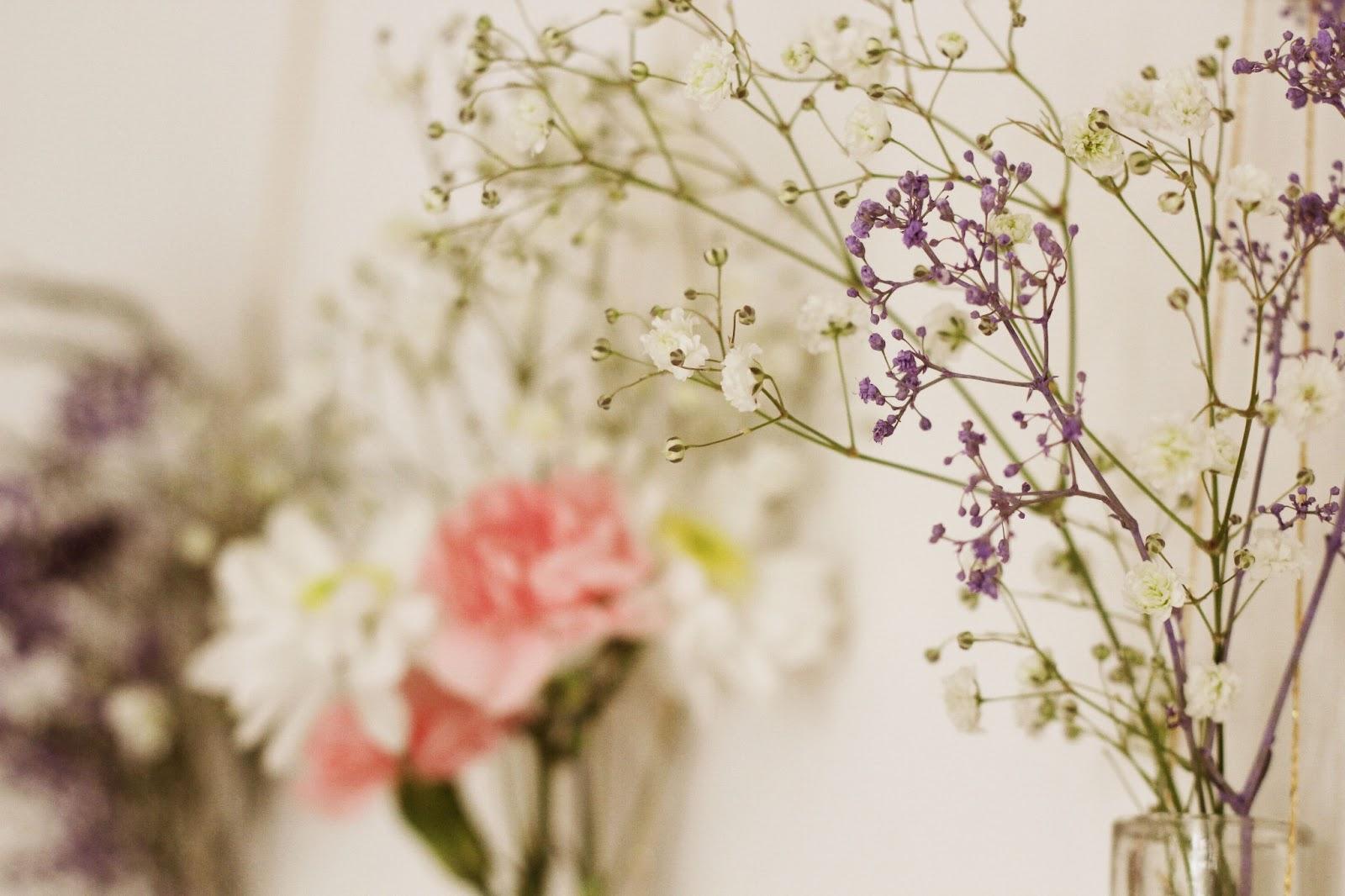 Diy Wall Flowers: DIY: Flower Wall Hangings
