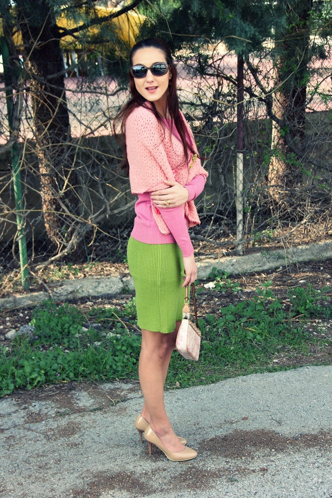 fresh spring color outfit ideas, pink and green outfits