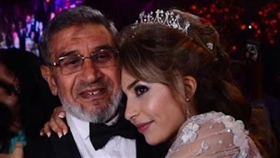 الفنانة جنات مع والدها