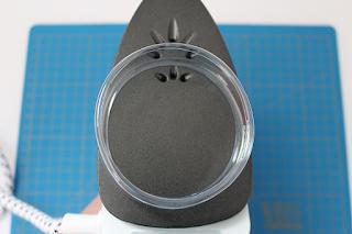 DIY-Basteltipp für Upcycling-Armreifen aus PET-Flaschen von Ars Vera.