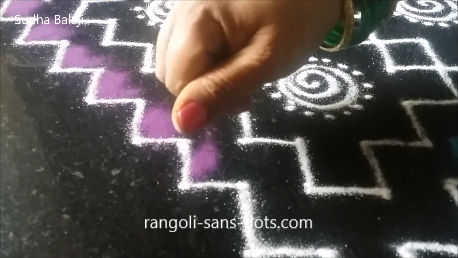 Very-easy-rangoli-with-dots-image-1au.png