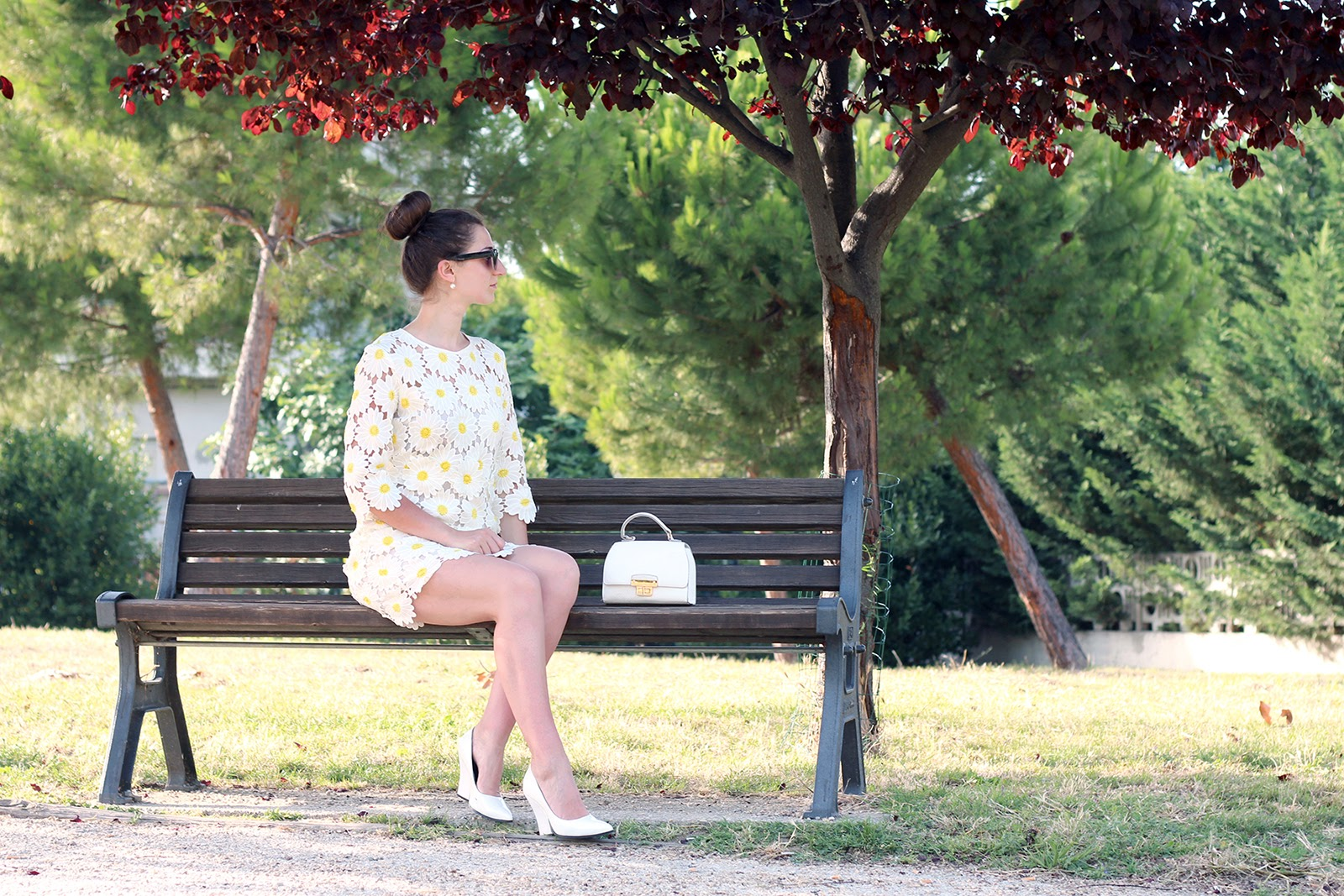 fashion style blogger outfit ootd italian girl italy trend vogue glamour pescara daisy dress chicwish margherite vestito new look bag white heels