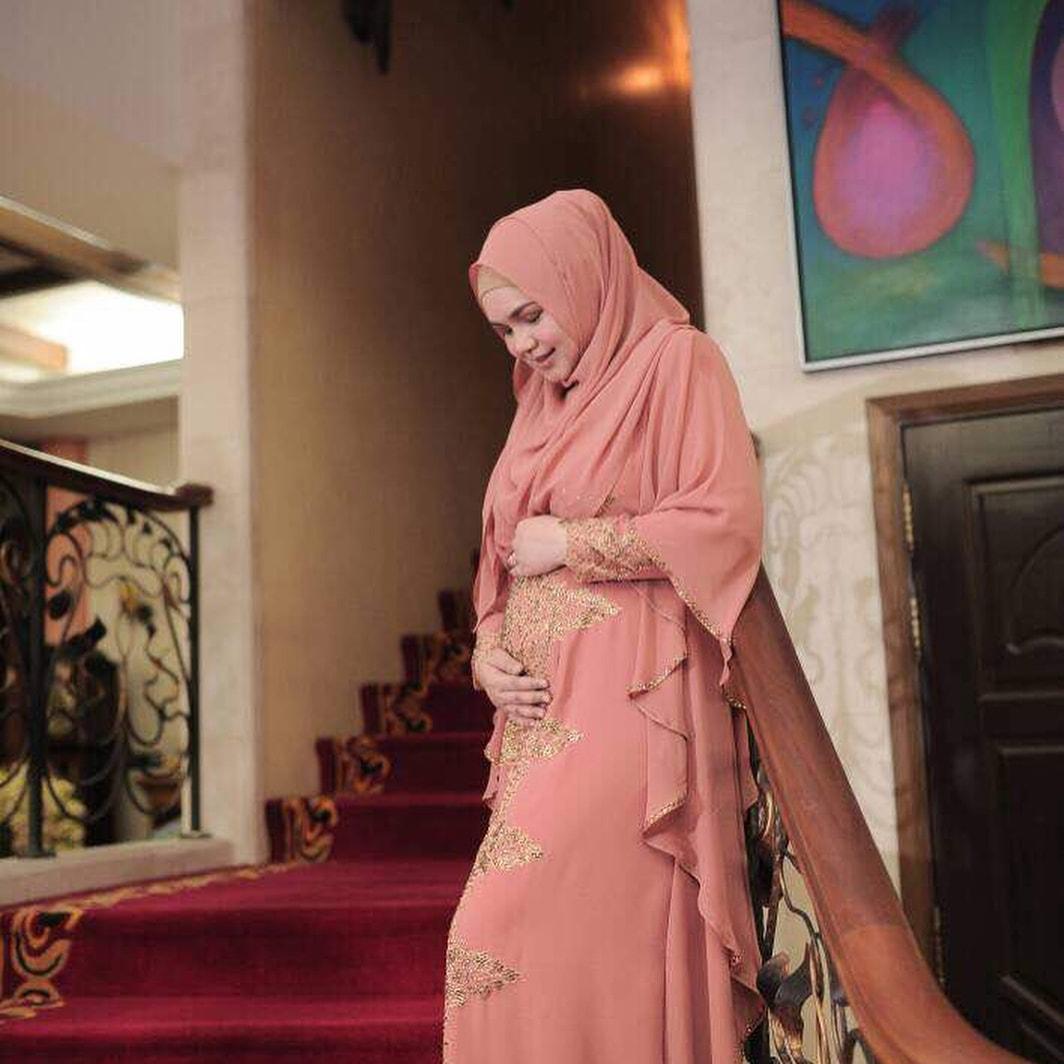 Siti Nurhaliza Sah Mengandung 4 Bulan. Alhamdulillah!