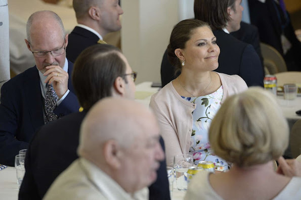 Crown Princess Victoria and Prince Daniel at the citizenship ceremony, Crown Princess Victoria wore OSCAR DE LA RENTA Dress, DIOR Pımps