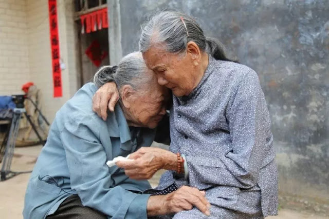 Separated Because of the War For 79 Years, Two Brothers Finally Meet Again