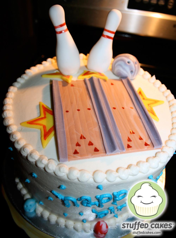 Stuffed Cakes Lucky Strike Bowling Cake Amp Mini Cupcakes
