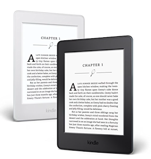 Kindle Paperwhite - 10 things to steal for yourself or to give to others this Christmas. 2017 Christmas gift guide. Amazon wish list Christmas 2017. How to make an Amazon wish list. 10 gift ideas for college age students. Last minute gift ideas | brazenandbrunette.com