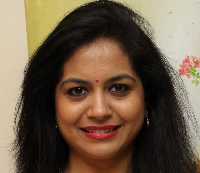Telugu Singer Sunitha Latest Oily Face Close Up Photos