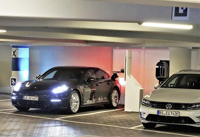 Volkswagen - Estacionamento Automático
