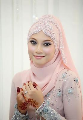 Hijabers, Model Hijab Terbaru Gaya Modern Ini Lagi Ngehits Loh!