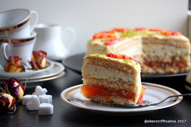Torte mit Blutorangen und Nüssen