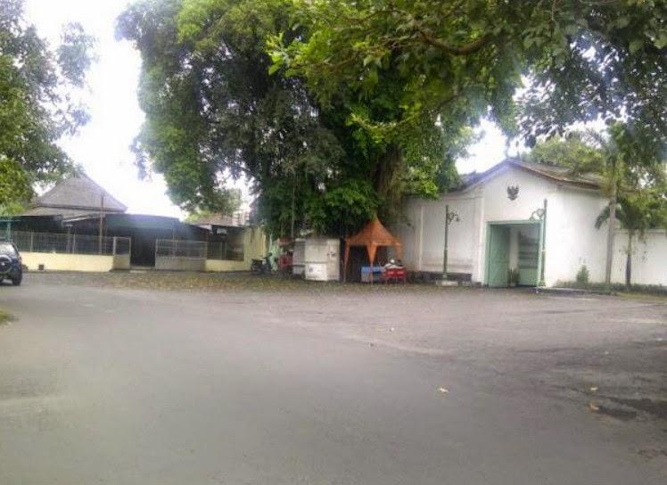 Mari Wisata ke Keraton Mangkunegaran Surakarta Mari Wisata ke Keraton Mangkunegaran Surakarta