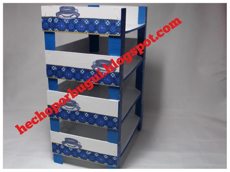 Hecho por bugui estanter a con cajas de fruta diy - Estanterias con cajas ...