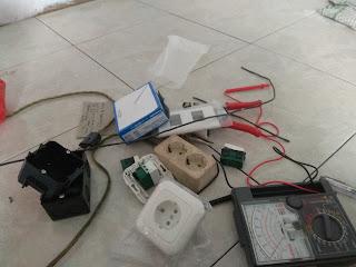 Pengalaman instalasi listrik di rumah sendiri, harganya lebih murah daripada memakai jasa orang lain