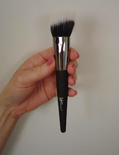 IT Cosmetics Angled Radiance Brush.jpeg
