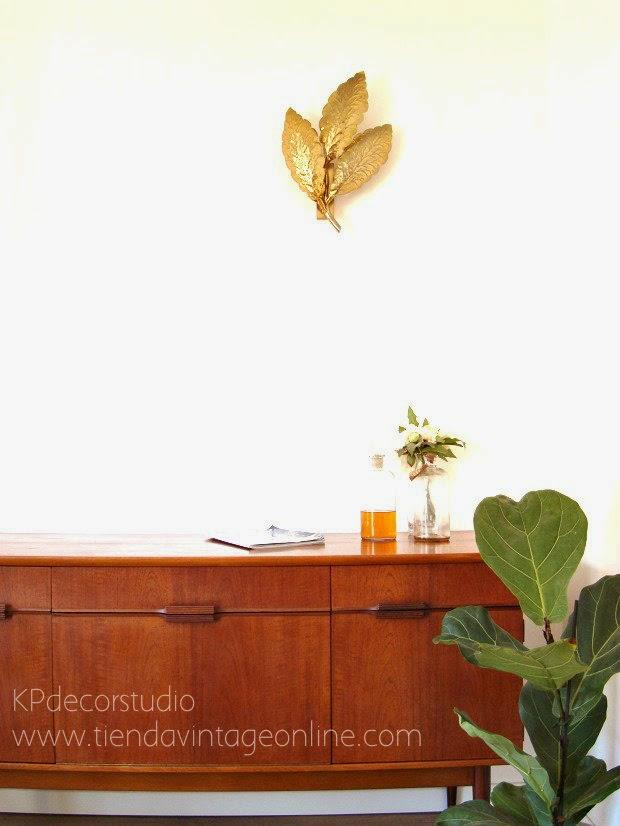 Decoración alto vintage. Piezas únicas, singulares, apliques de lujo y lámparas de pared cotizadas en el mercado.