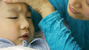 Tips Hadapi Kejang Demam pada saat anak sakit