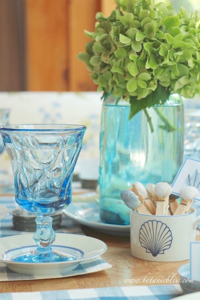 fostoria-blue-swirl-glasses-add-coastal-style-to-summer-country-tablesetting
