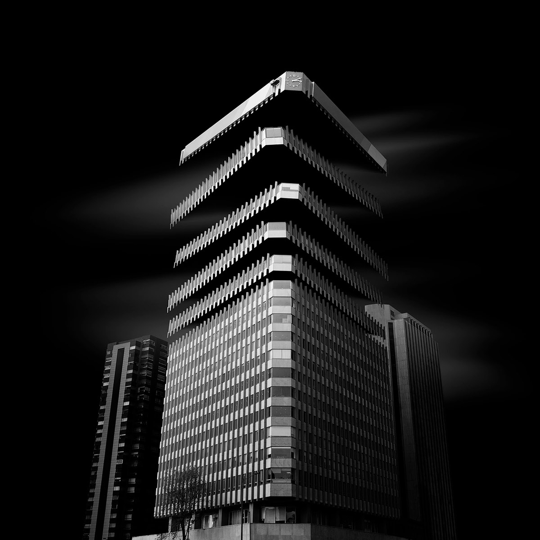 01-Daniel-Garay-Arango-Black-and-White-Surreal-Photographs-Architectural-Deconstruction-www-designstack-co