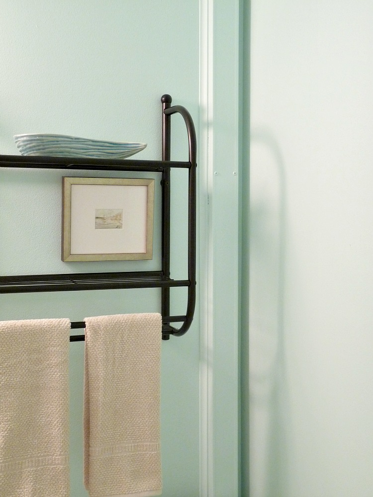 How To Cover Pipes In A Bathroom Dans Le Lakehouse