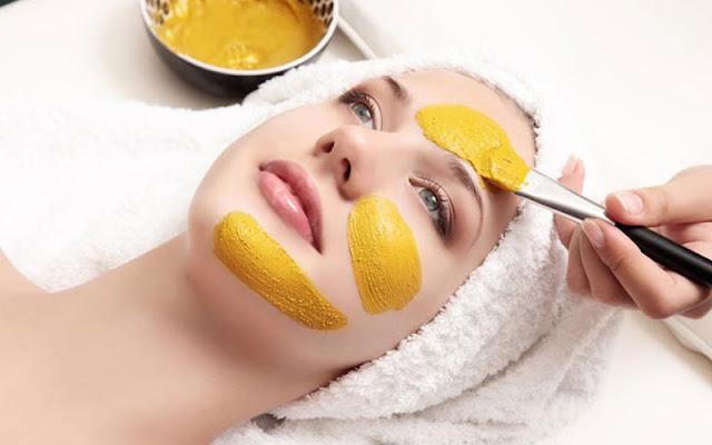 علاج الكلف بالعسل والكركم