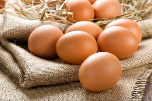 Trứng giúp tóc chắc khỏe