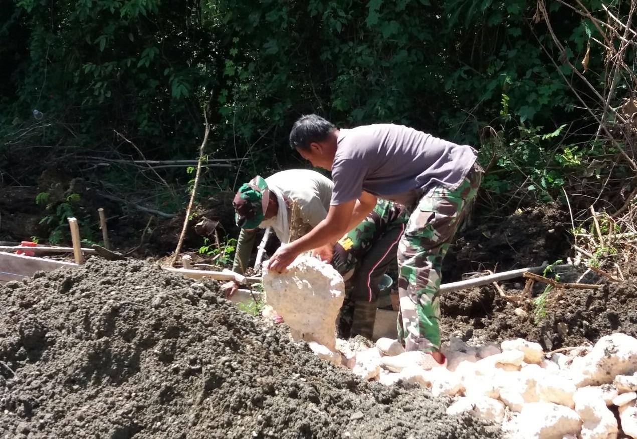 Pekerjaan Jalan Penghubung Program TMMD ke 104 Kodim 1407 Bone Terus Berjalan